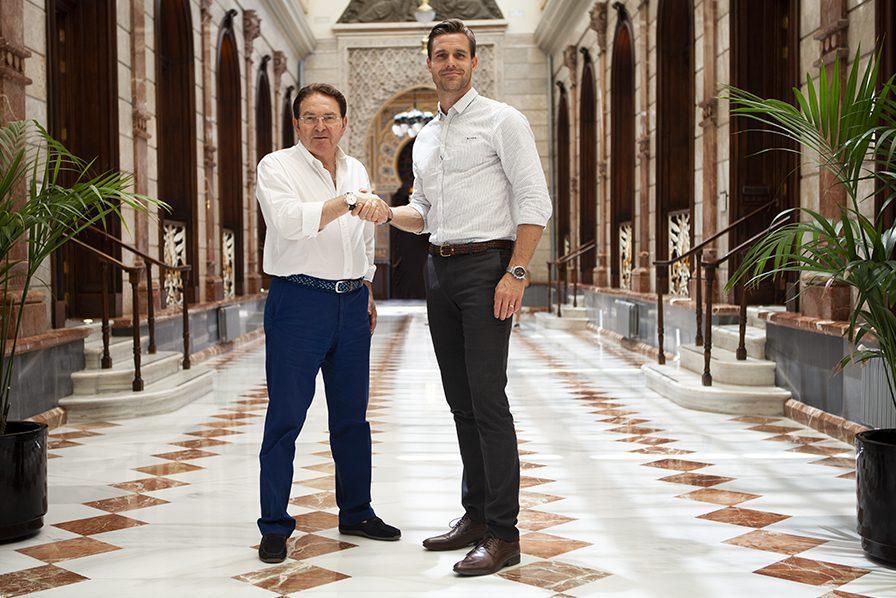 Tidigare majoritetsägare Jose Manuel Sanchez och Daniel Fyhr efter köpet